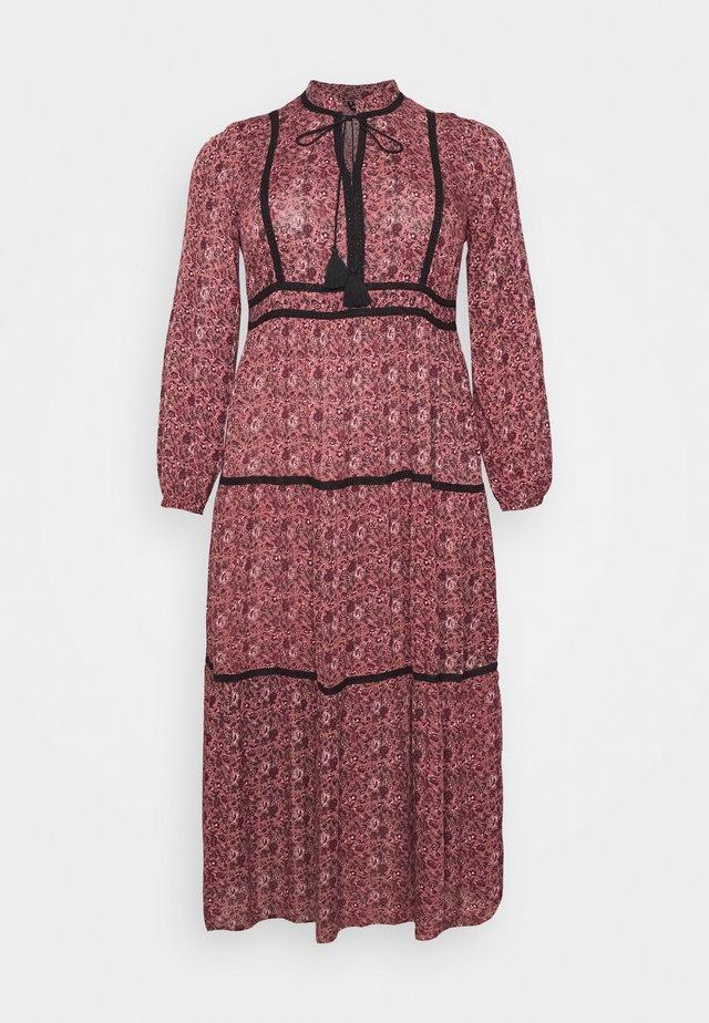 VMROSEY BOHO  - Długa sukienka - marsala/rosey
