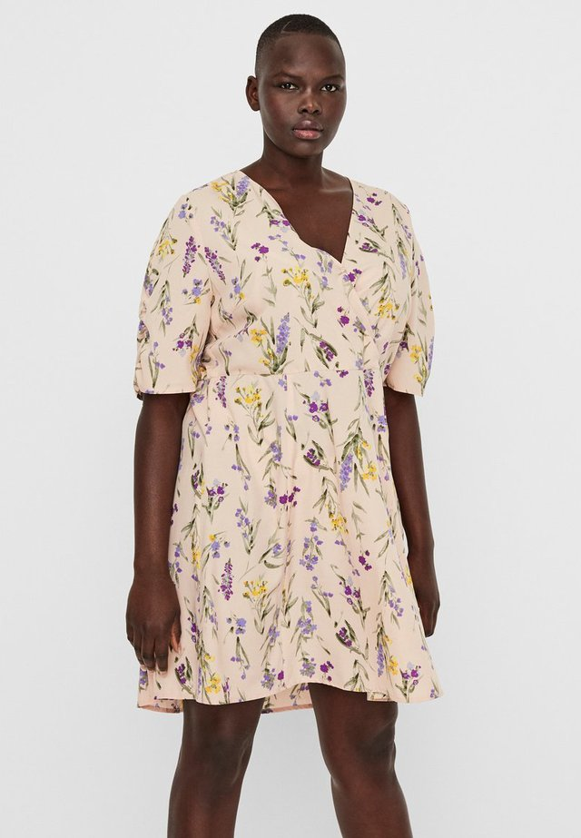 CURVE - Korte jurk - chintz rose
