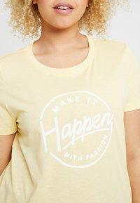 Vero Moda Curve - VMTEAM OLLY - T-shirts print - mellow yellow - 4