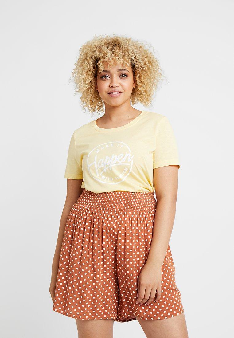 Vero Moda Curve - VMTEAM OLLY - T-shirt con stampa - mellow yellow