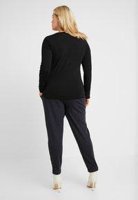 Vero Moda Curve - VMCELENA - Long sleeved top - black - 2