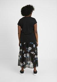 Vero Moda Curve - T-shirt imprimé - black - 2
