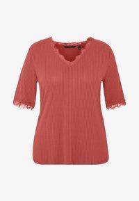 Vero Moda Curve - VMJUDY  - T-shirts med print - marsala - 4