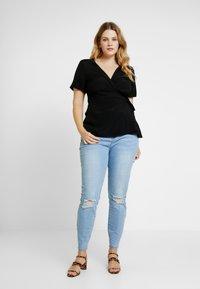 Vero Moda Curve - Blouse - black - 1
