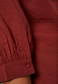 Vero Moda Curve - Bluser - madder brown - 5