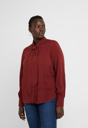 VMAMELIA BOW TIE - Skjorte - madder brown