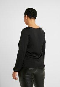 Vero Moda Curve - VMSANDRA V NECK - Bluser - black - 2