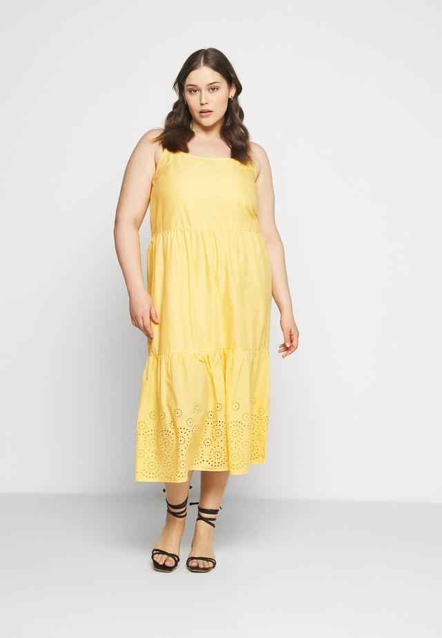 VMHALO - Maxi šaty - banana cream