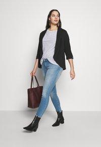 Vero Moda Curve - VMUMA - Blazer - black - 1