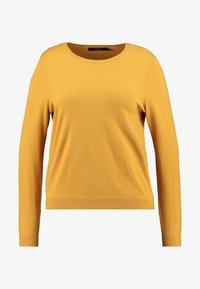 Vero Moda Curve - VMHAPPY - Pullover - amber gold - 2