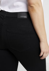 Vero Moda Curve - Slim fit jeans - black - 3