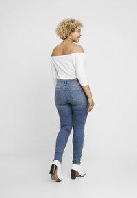 Vero Moda Curve - VMTERESA - Jeans Skinny Fit - medium blue denim - 2