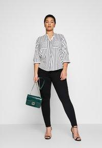 Vero Moda Curve - VMSOPHIA - Jeans Skinny Fit - black - 1