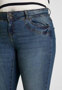 Vero Moda Curve - VMSEVEN GIRL - Jeans Skinny Fit - medium blue denim - 3