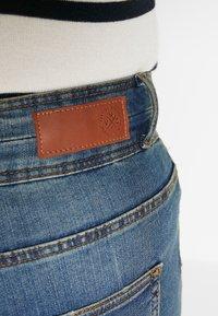 Vero Moda Curve - VMSEVEN GIRL - Jeans Skinny Fit - medium blue denim - 5