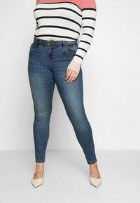 Vero Moda Curve - VMSEVEN GIRL - Jeans Skinny Fit - medium blue denim - 2
