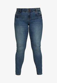 Vero Moda Curve - VMSEVEN GIRL - Jeans Skinny Fit - medium blue denim - 4