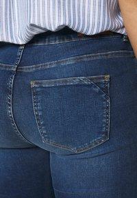 Vero Moda Curve - VMSEVEN - Skinny džíny - medium blue denim - 4