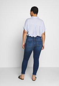 Vero Moda Curve - VMSEVEN - Skinny džíny - medium blue denim - 2
