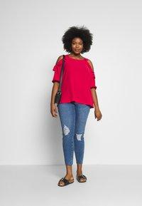 Vero Moda Curve - VMSEVEN SLIM ZIP ANK - Jeans Skinny Fit - medium blue denim - 1