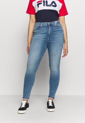VMSOPHIA SKINNY JEANS - Jeans Skinny - light blue denim