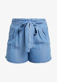 Vero Moda Curve - VMMIA SUMMER - Shorts - light blue denim - 3
