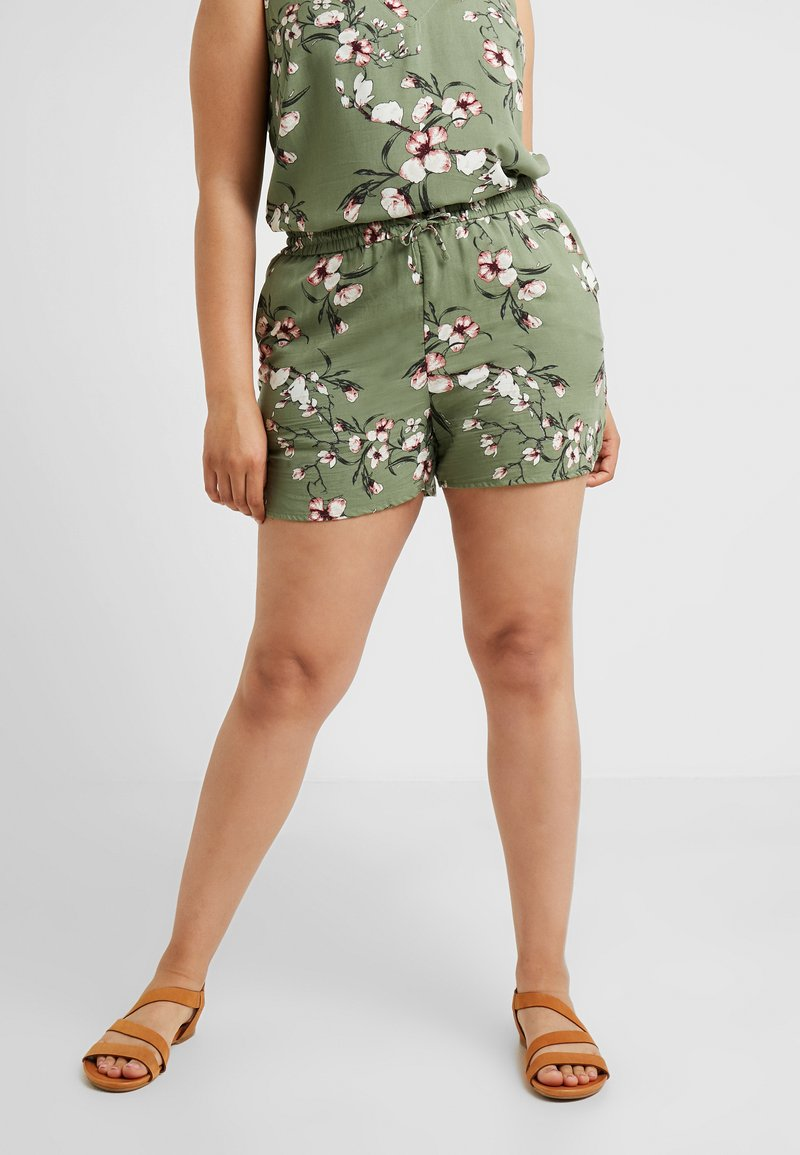 Vero Moda Curve - VMSIMPLY EASY - Shorts - oil green