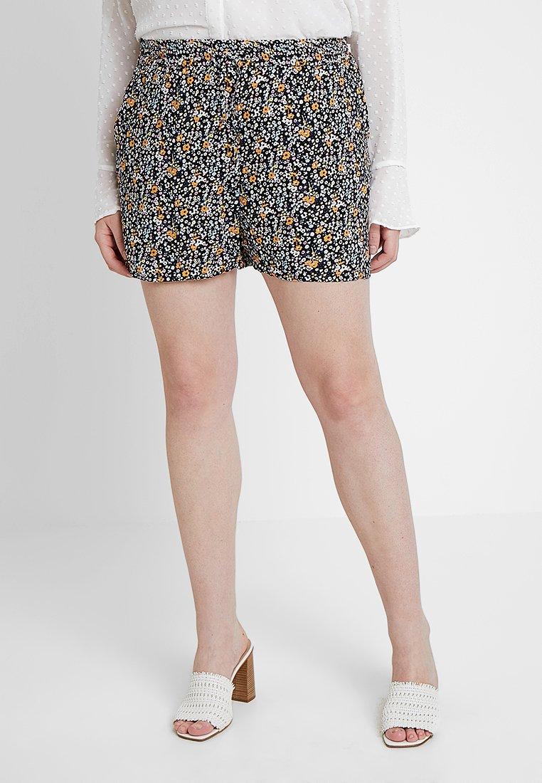 Vero Moda Curve - VMSIMPLY EASY - Shorts - black/karen