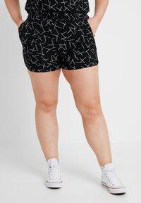 Vero Moda Curve - VMSIMPLY EASY - Shorts - black - 0