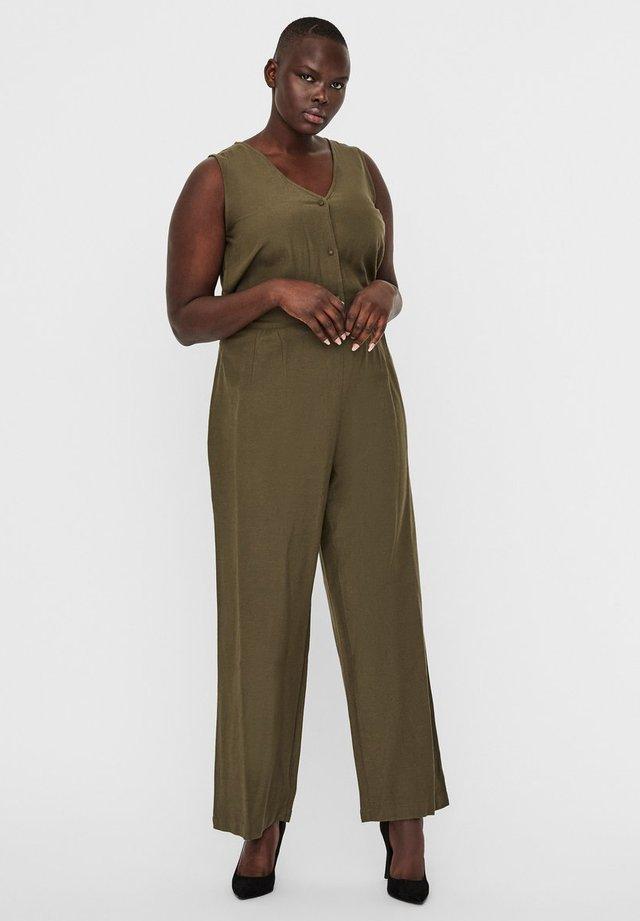 VERO MODA CURVE JUMPSUIT WEIT GESCHNITTENER - Overall / Jumpsuit - ivy green