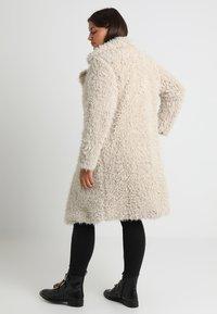 Vero Moda Curve - Classic coat - oatmeal - 3