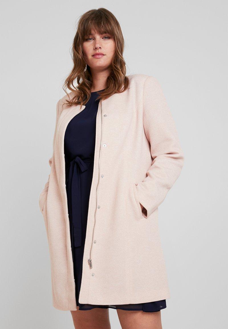 Vero Moda Curve - Zimní kabát - mocha mousse