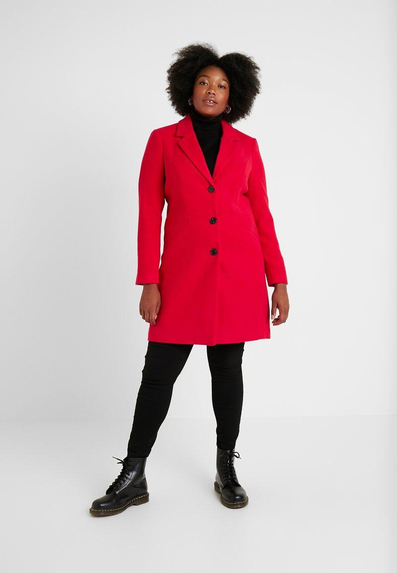 Vero Moda Curve - VMCALA CINDY - Classic coat - chinese red