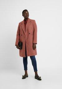 Vero Moda Curve - Zimní kabát - high risk red - 1