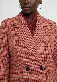 Vero Moda Curve - Zimní kabát - high risk red - 4