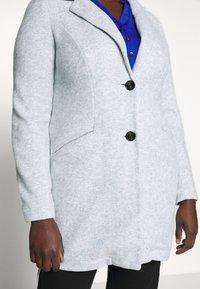 Vero Moda Curve - VMMARBLEBELLA JACKET - Krátký kabát - slate - 4