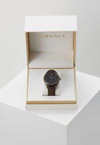 Versace Watches - GLAZE - Zegarek - brown - 0