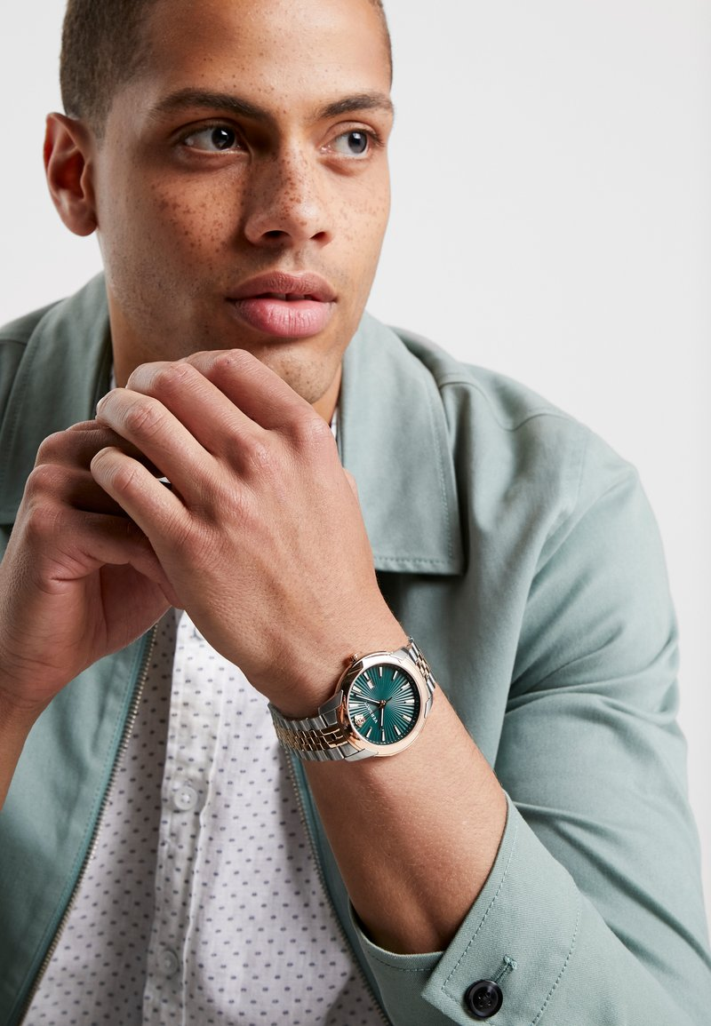 Versace Watches - URBAN - Reloj - gold-coloured/green