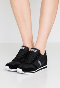 Versace Jeans Couture - Sneaker low - black - 0