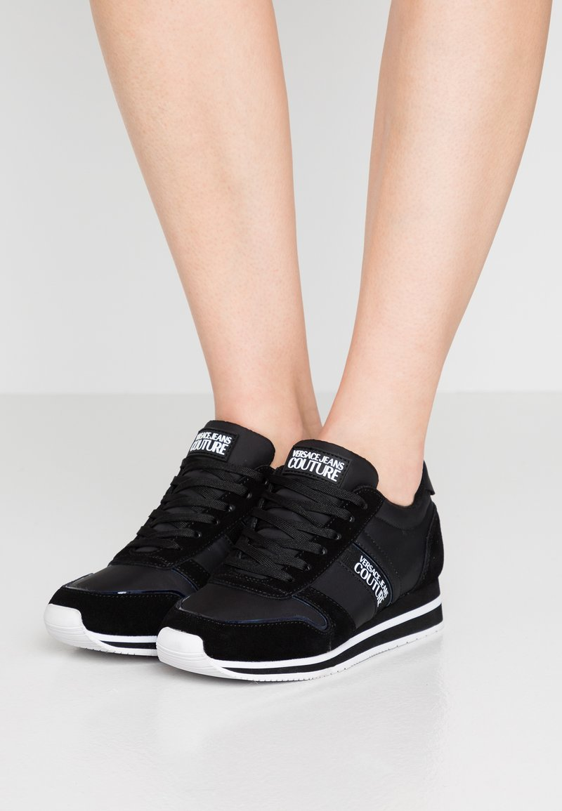 Versace Jeans Couture - Sneakersy niskie - black