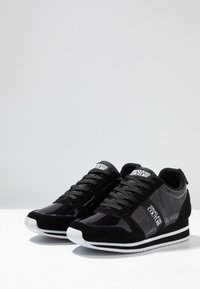 Versace Jeans Couture - Baskets basses - nero - 4