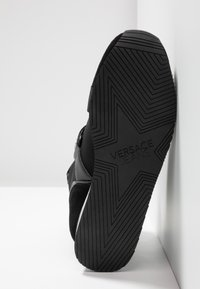 Versace Jeans Couture - High-top trainers - black - 6