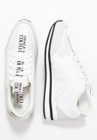 Versace Jeans Couture - Sneakers laag - bianco ottico - 3