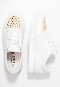 Versace Jeans Couture - Sneakers - bianco ottico - 3