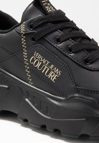 Versace Jeans Couture - LINEA FONDO SPEED 1 - Trainers - black - 2
