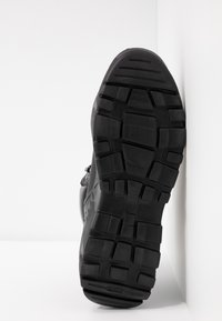 Versace Jeans Couture - LINEA FONDO SPEED  - High-top trainers - black - 6