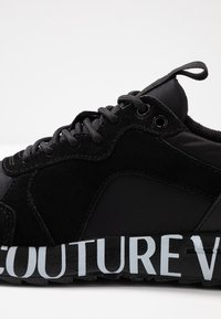 Versace Jeans Couture - LINEA WAVE - Trainers - black - 2