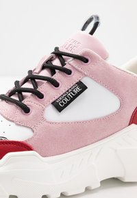 Versace Jeans Couture - Sneakers laag - white - 2