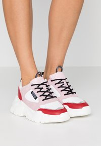 Versace Jeans Couture - Sneakers laag - white - 0