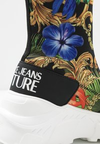 Versace Jeans Couture - Sneakersy wysokie - multicolor - 2